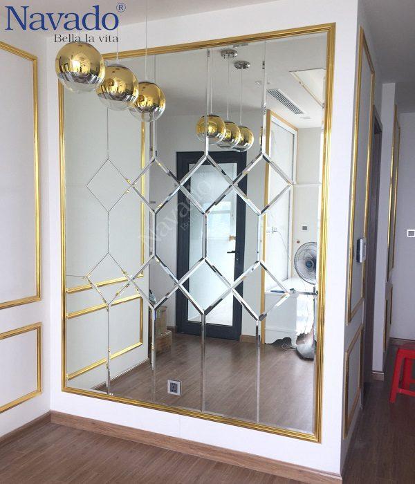 Gương ghép tường trang trí phòng khách