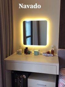 Gương đèn led đẹp cho bàn trang điểm